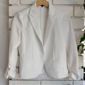 NWT White Dressy Blazer ✨